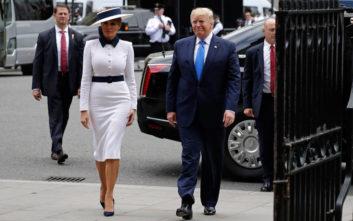 Εντυπωσιακή και στα λευκά η Μελάνια Τραμπ