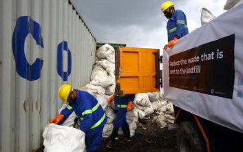 Επιχείρηση καθαρισμού του Έβερεστ: Ανέσυραν 4 σορούς, περισυνέλεξαν 11 τόνους σκουπιδιών