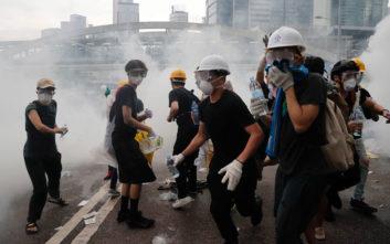Η Βρετανία κρούει τον κώδωνα του κινδύνου σε Χονγκ Κονγκ και Κίνα