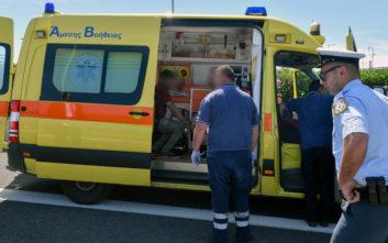 Ηλικιωμένος μπήκε στο αντίθετο ρεύμα και συγκρούστηκε με ασθενοφόρο