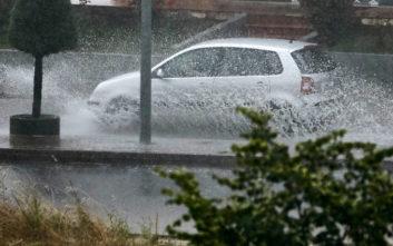 Καιρός: Έντονη βροχόπτωση στον Πειραιά - Η πρόγνωση για τις επόμενες ώρες