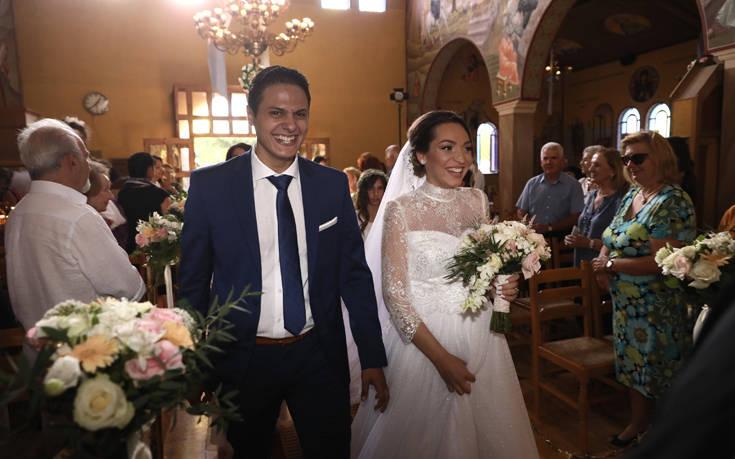 Ο πρώτος γάμος στο Λύρειο Ίδρυμα μετά τις φονικές πυρκαγιές – Newsbeast