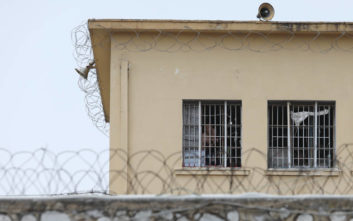 Τζακούζι και πάρτι κρατουμένων στις φυλακές Κορυδαλλού