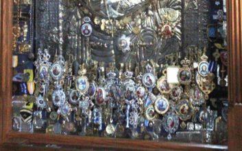Συναγερμός στο Άγιο Όρος: Έκλεψαν τα τάματα από την «Παναγία Πορταΐτισσα»