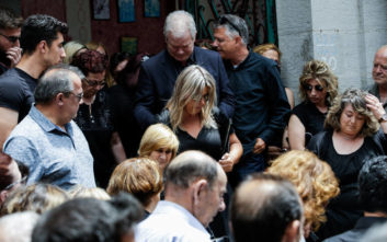 Πάνος Ζάρλας: Το μήνυμα της μητέρας του μετά την κηδεία