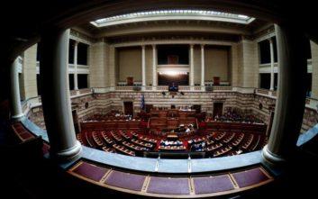 Οι κυβερνητικές μετατάξεις στη Βουλή και οι απαντήσεις Τζανακόπουλου