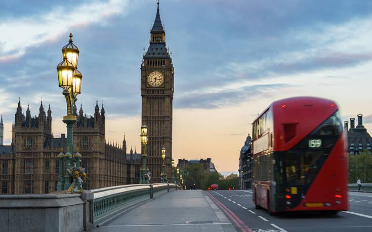 Νέα επίθεση Τραμπ κατά του δημάρχου του Λονδίνου: Είναι καταστροφή