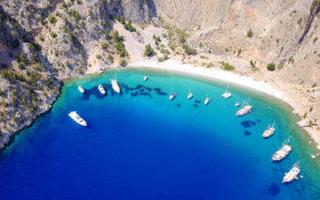 Πόλος έλξης διασημοτήτων το νησί της Σύμης