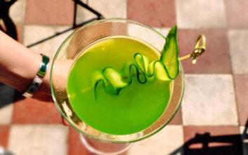 Ωραία στέκια στην πόλη για σούπερ δροσιστικά και καλοκαιρινά cocktails