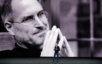 Έτσι έπεισε ο Στιβ Τζομπς τον Τιμ Κουκ να εγκαταλείψει τη δουλειά του και να ενταχθεί στην Apple