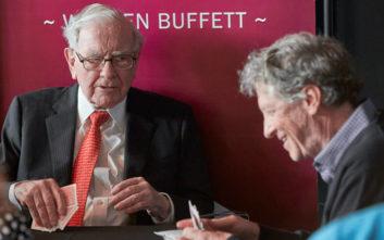 Πώς βοήθησε ο Γουόρεν Μπάφετ τον Μπιλ Γκέιτς στην πιο δύσκολη περίοδο της καριέρας του