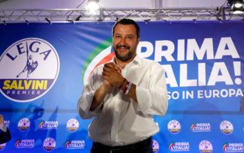 Ακόμα πιο ισχυρός ο Σαλβίνι μετά το β΄γύρο των δημοτικών εκλογών στην Ιταλία