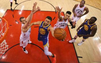 NBA: Οι «πολεμιστές» έκαναν τοbreakκαι ετοιμάζουνshowστο Όκλαντ