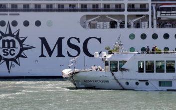 Η σύγκρουση κρουαζιερόπλοιου με μικρό σκάφος άναψε πολιτικές φωτιές στην Ιταλία