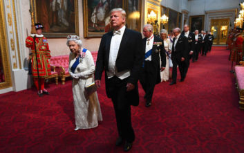 Φωτογραφίες από την επίσκεψη του ζεύγους Τραμπ στο παλάτι του Μπάκιγχαμ