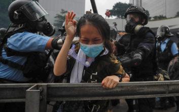 Στη δίνη της βίας το Χονγκ Κονγκ, συμπλοκές διαδηλωτών και αστυνομίας