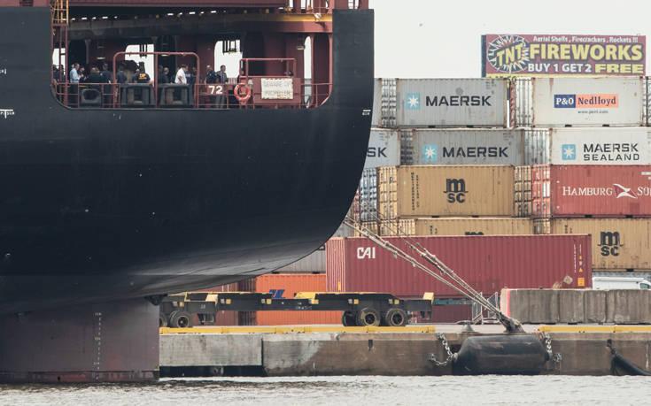 Μεγάλη ποσότητα κοκαΐνης εντοπίστηκε σε τέσσερα νέα οχήματα σε πλοίο στη Σενεγάλη