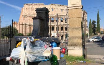 Τεράστιο πρόβλημα τα σκουπίδια στη Ρώμη, συσσωρεύονται χίλιοι τόνοι τη μέρα