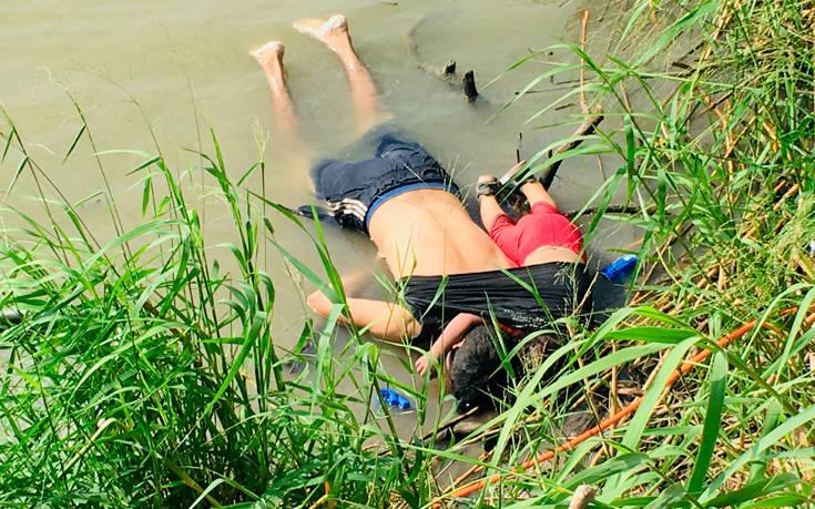 Βαθιά θλιμμένος ο Πάπας από τη φωτογραφία του νεκρού μετανάστη με την κόρη του