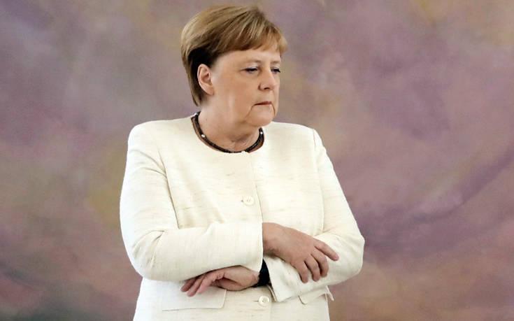 Σε «δύσκολη φάση» η γερμανική οικονομία, αναγνωρίζει η Μέρκελ