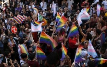 Τουρκία: Δακρυγόνα από την Αστυνομία στο pride της Κωνσταντινούπολης