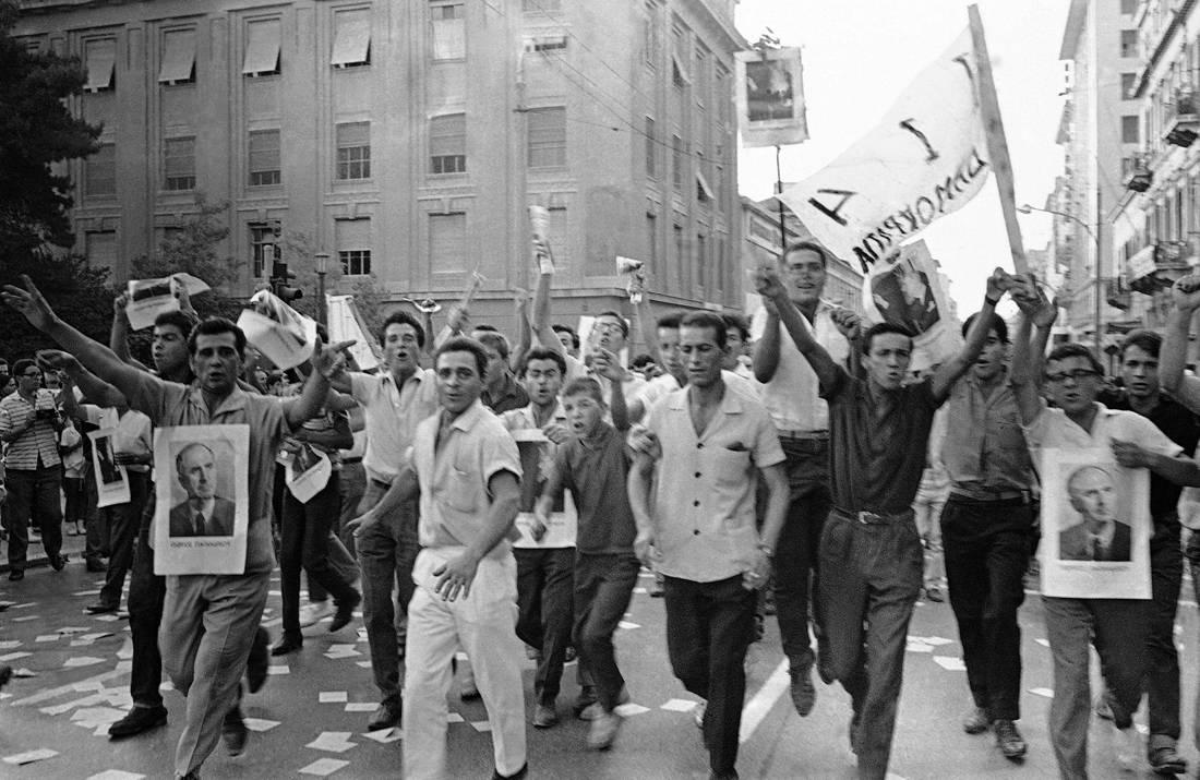 Η αναμέτρηση που μας άφησε βαριά κληρονομιά τη φράση «εκλογές βίας και νοθείας»