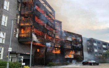 Δεν υπάρχουν τραυματίες από τη φωτιά σε πολυκατοικία στο Λονδίνο