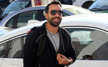 «Ο Σάκης Τανιμανίδης δεν ενδιαφέρεται για τη ζωή μου, ούτε εγώ για τη δική του»