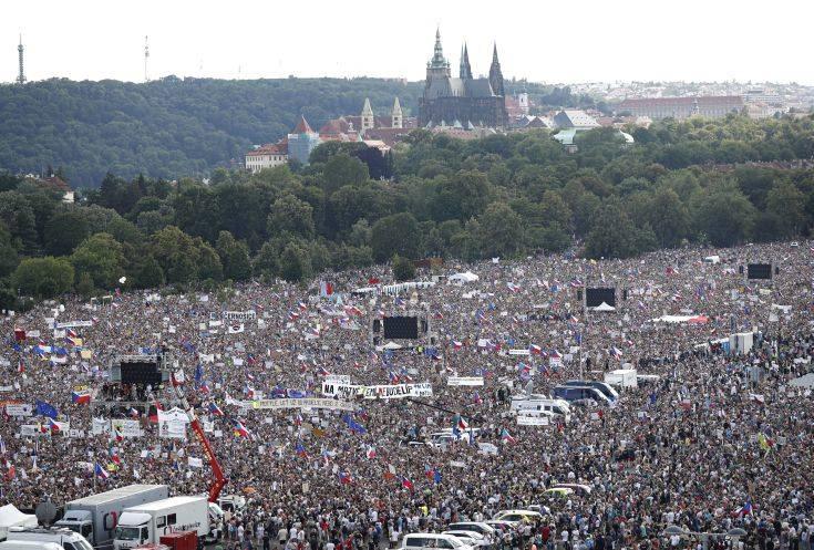 Εντείνεται η πολιτική κρίση στην Τσεχία