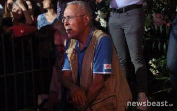 Το μπλουζάκι του Ζουράρι που τράβηξε τα βλέμματα στην ομιλία Τσίπρα