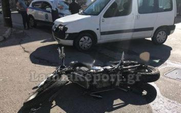 Τροχαίο ατύχημα στη Λαμία, αυτοκίνητο παρέσυρε μοτοσικλετιστή