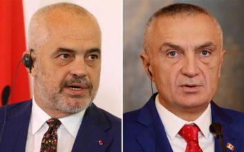 Έκρυθμη η κατάσταση στην Αλβανία, ανοιχτή σύγκρουση προέδρου και πρωθυπουργού