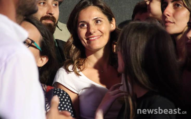 Η εμφάνιση της Μπέτυς Μπαζιάνα στην προεκλογική ομιλία του Αλέξη Τσίπρα