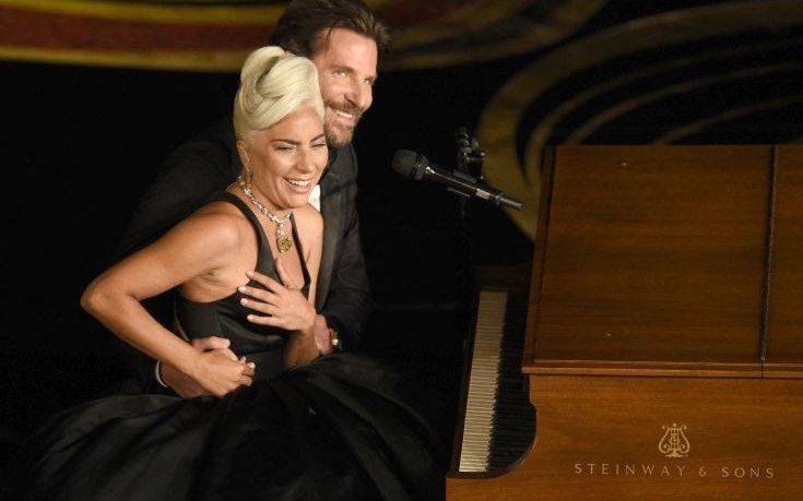 Όργιο φημών για Μπράντλεϊ Κούπερ και Lady Gaga μετά τον χωρισμό με την Ιρίνα Σάικ