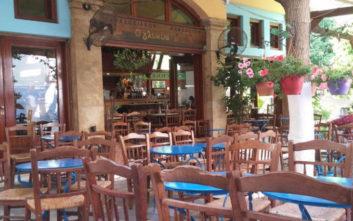 Πού θα φάτε νόστιμα μεζεδάκια σε καφενεία και ουζερί στην πόλη
