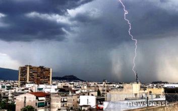 Καιρός: Καταιγίδες και κεραυνοί στην Αττική, η εικόνα για την Τετάρτη