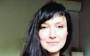 Αθηναΐς Νέγκα: Φοράει μαγιό και δείχνει τα σημάδια της λεύκης στο κορμί της