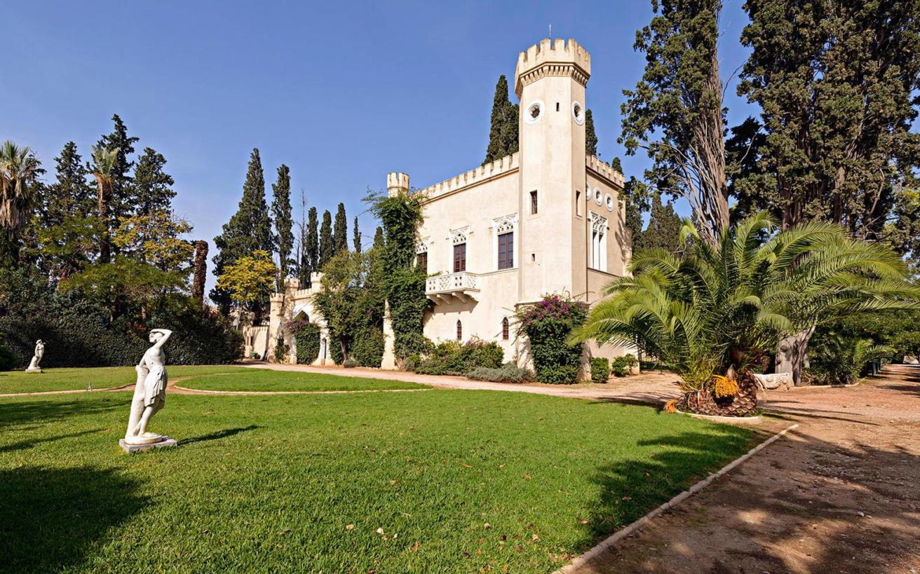 Ο Πύργος της Βασίλισσας Αμαλίας στο Ίλιον