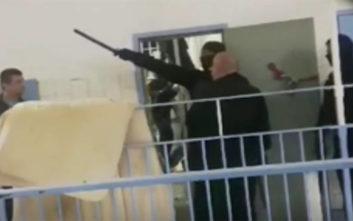 Κρατούμενοι βιντεοσκοπούσαν επιδρομή της ΕΛΑΣ στις φυλακές Κορυδαλλού