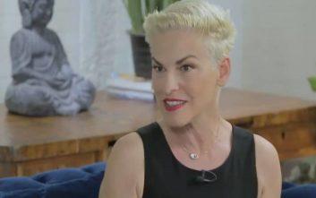 Γιατί η Ελένη Ψυχούλη έγινε ξανθιά και έκοψε αγορίστικο το μαλλί