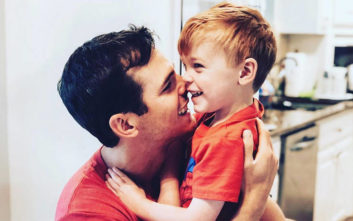 Τραγωδία για τραγουδιστή που «έχασε» τον τρίχρονο γιο του