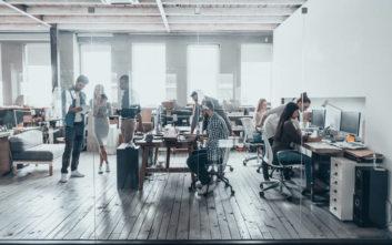 Η αυξημένη πίεση-«φάντασμα» και πώς συνδέεται με όσους δουλεύουν πολλές ώρες στο γραφείο
