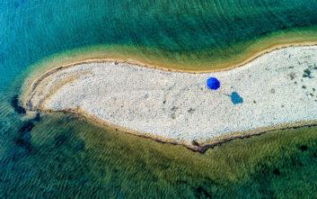 Μια ελληνική παραλία με εξωτική ομορφιά Καραϊβικής