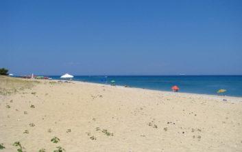 Η όμορφη παραλία της Κεφαλονιάς με τα πεντακάθαρα νερά