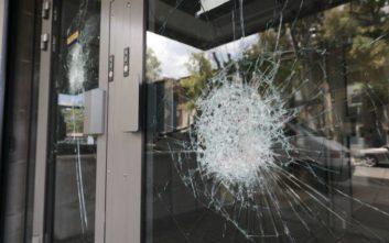 Φωτογραφίες από την τράπεζα στη Συγγρού μετά το χτύπημα αγνώστων με βαριοπούλες