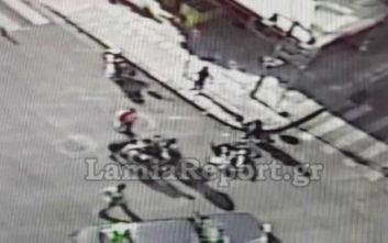 Βίντεο από τη στιγμή της σύγκρουσης αυτοκινήτου με μηχανάκι στη Λαμία