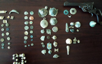 Η αγγελία πώλησης αρχαίων νομισμάτων αποκάλυψε την υπόθεση αρχαιοκαπηλίας