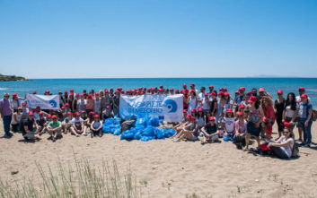H Vodafone γιορτάζει την Παγκόσμια Ημέρα Περιβάλλοντος με δράσεις εθελοντισμού για τον καθαρισμό παραλιών