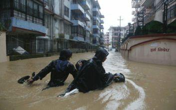 Σε 55 ανήλθαν οι νεκροί από τις πλημμύρες στο Νεπάλ