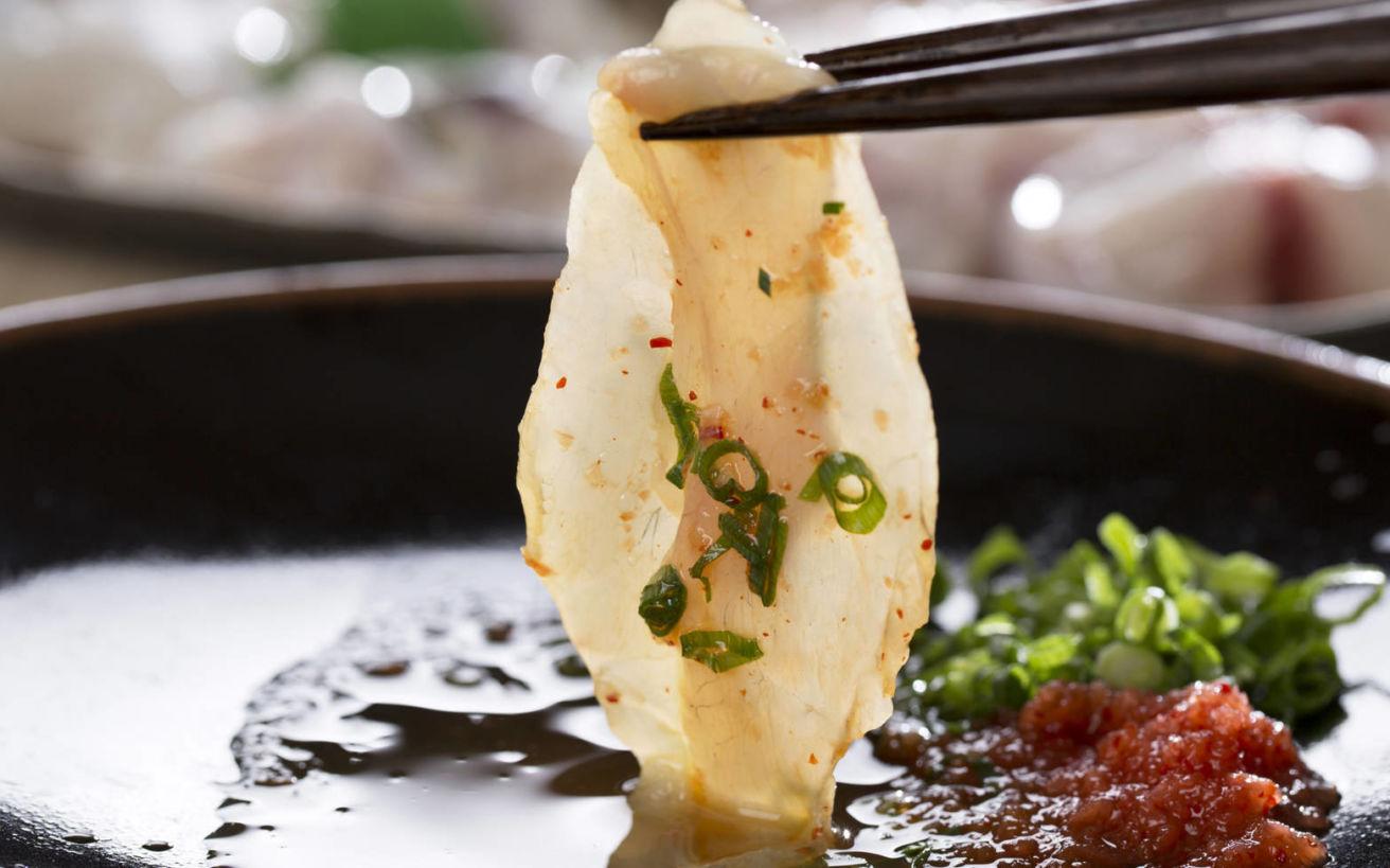 Οι Ιάπωνες πληρώνουν μέχρι και 200 δολάρια για το πιο θανατηφόρο δείπνο του κόσμου